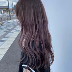 ラベンダーカラー ナチュラル ロング ピンクグレージュ ヘアスタイルや髪型の写真・画像