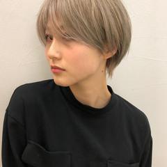 ショート ナチュラル 透明感カラー ブリーチカラー ヘアスタイルや髪型の写真・画像