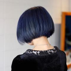 ブルー 前下がりボブ ブルーアッシュ グラデーションカラー ヘアスタイルや髪型の写真・画像