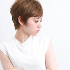 ショートバング 簡単スタイリング デート オフィス ヘアスタイルや髪型の写真・画像
