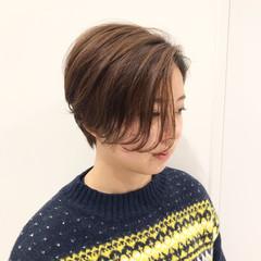 アウトドア ハンサムショート ショートヘア ショート ヘアスタイルや髪型の写真・画像