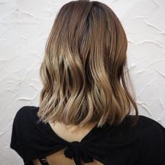 ハイライト グラデーションカラー 外国人風カラー フェミニン ヘアスタイルや髪型の写真・画像