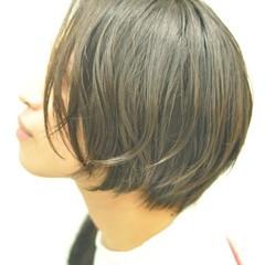 ショートボブ パーマ ナチュラル ショートバング ヘアスタイルや髪型の写真・画像
