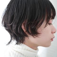 ウルフカット ナチュラルウルフ デート 大人かわいい ヘアスタイルや髪型の写真・画像
