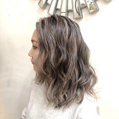 ナチュラル グラデーションカラー バレイヤージュ ミディアム ヘアスタイルや髪型の写真・画像