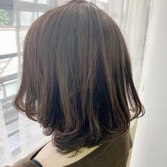 ミルクティーベージュ ヌーディーベージュ 抜け感 ショート ヘアスタイルや髪型の写真・画像