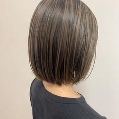 極細ハイライト ショートヘア ハイライト ミニボブ ヘアスタイルや髪型の写真・画像