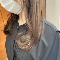 シアーベージュ セミロング ナチュラル ベージュ ヘアスタイルや髪型の写真・画像