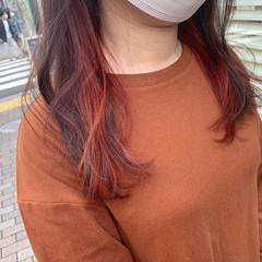 オレンジ ナチュラル ロング インナーカラー ヘアスタイルや髪型の写真・画像