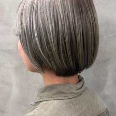 アッシュグレージュ イルミナカラー グレージュ ショート ヘアスタイルや髪型の写真・画像