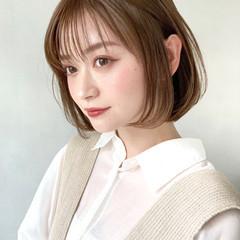 カーキアッシュ アンニュイほつれヘア 似合わせカット ミルクティーベージュ ヘアスタイルや髪型の写真・画像