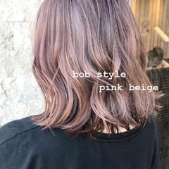 ピンク 切りっぱなしボブ ボブ ガーリー ヘアスタイルや髪型の写真・画像
