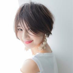 前髪あり ショート 涼しげ フェミニン ヘアスタイルや髪型の写真・画像