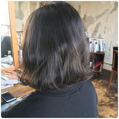 ナチュラル ヘアカラー グレージュ アンニュイほつれヘア ヘアスタイルや髪型の写真・画像