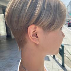 ホワイトブリーチ アッシュグレージュ ナチュラル ブリーチ ヘアスタイルや髪型の写真・画像