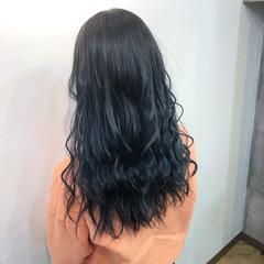 ネイビー ロング ネイビーブルー ブルーグラデーション ヘアスタイルや髪型の写真・画像