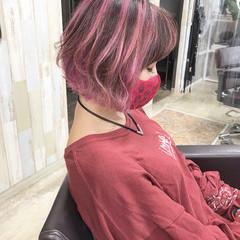 ピンク グラデーションカラー ストリート ショート ヘアスタイルや髪型の写真・画像