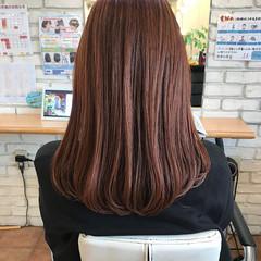 インナーカラー ロング ピンクカラー 大人ハイライト ヘアスタイルや髪型の写真・画像