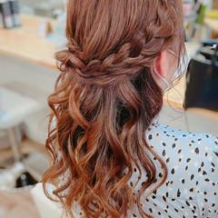編み込み 簡単ヘアアレンジ フェミニン アップスタイル ヘアスタイルや髪型の写真・画像