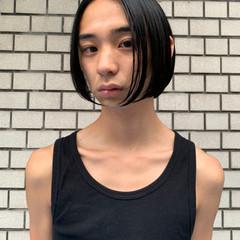 ショートボブ メンズ メンズカット 切りっぱなしボブ ヘアスタイルや髪型の写真・画像