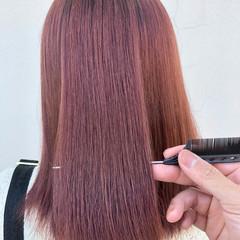 ベリーピンク ピンクバイオレット 髪質改善トリートメント ナチュラル ヘアスタイルや髪型の写真・画像
