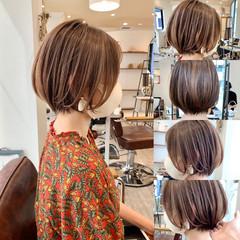 ショートボブ 切りっぱなしボブ フェミニン インナーカラー ヘアスタイルや髪型の写真・画像