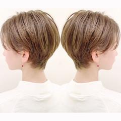 ショート パーマ オフィス ナチュラル ヘアスタイルや髪型の写真・画像