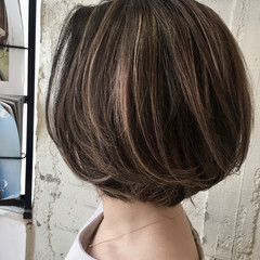 アンニュイほつれヘア デート ストリート アウトドア ヘアスタイルや髪型の写真・画像