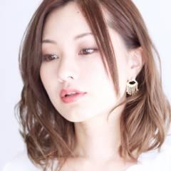 ミディアム モテ髪 コンサバ ゆるふわ ヘアスタイルや髪型の写真・画像