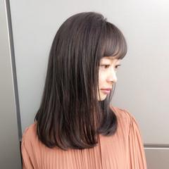 ハイライト レイヤー ナチュラル オフィス ヘアスタイルや髪型の写真・画像