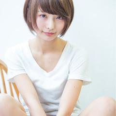 大人女子 小顔 こなれ感 ストレート ヘアスタイルや髪型の写真・画像