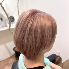 ピンクベージュ ピンク ミルクティー ショート ヘアスタイルや髪型の写真・画像