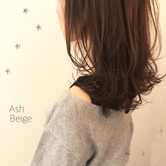ミディアム ゆるふわ こなれ感 ウェーブ ヘアスタイルや髪型の写真・画像