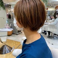 透明感カラー ベージュ ショート ナチュラル ヘアスタイルや髪型の写真・画像