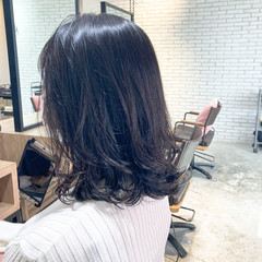簡単ヘアアレンジ フェミニン ミディアム ゆるふわパーマ ヘアスタイルや髪型の写真・画像