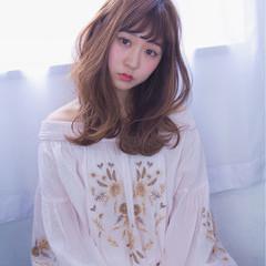 ミディアム ヘアアレンジ パーマ アンニュイ ヘアスタイルや髪型の写真・画像