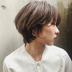 ハンサム ナチュラル アッシュグレー ショート ヘアスタイルや髪型の写真・画像