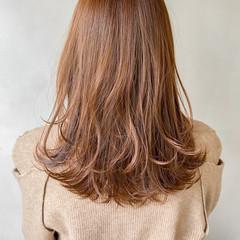 透明感カラー ミディアムレイヤー ミディアム 大人かわいい ヘアスタイルや髪型の写真・画像