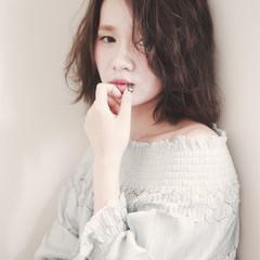 外国人風 色気 パーマ ミディアム ヘアスタイルや髪型の写真・画像