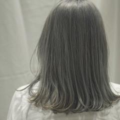 フェミニン パーマ デート ミディアム ヘアスタイルや髪型の写真・画像