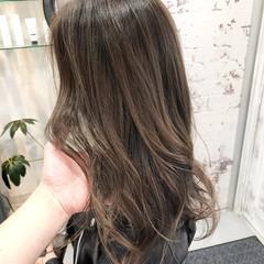 ロング ストリート ハイライト バレイヤージュ ヘアスタイルや髪型の写真・画像