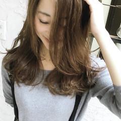 フェミニン モテ髪 インナーカラー アッシュグレージュ ヘアスタイルや髪型の写真・画像