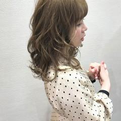 巻き髪 ミディアム ガーリー 外国人風 ヘアスタイルや髪型の写真・画像