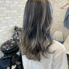 ロング バレイヤージュ ブリーチカラー 外国人風カラー ヘアスタイルや髪型の写真・画像