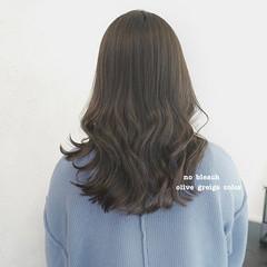 オリーブベージュ オリーブアッシュ ブリーチなし インナーカラー ヘアスタイルや髪型の写真・画像