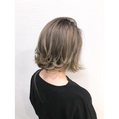 アッシュグレージュ ボブ グレージュ ストリート ヘアスタイルや髪型の写真・画像