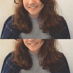 ミディアム ゆるふわ 外国人風 ストリート ヘアスタイルや髪型の写真・画像