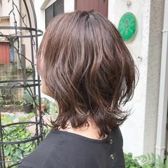 切りっぱなしボブ 外ハネボブ グレージュ くびれボブ ヘアスタイルや髪型の写真・画像