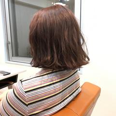 アッシュ ブリーチ モーブ 外ハネ ヘアスタイルや髪型の写真・画像