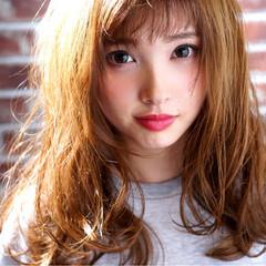 アッシュ 外国人風 大人かわいい ゆるふわ ヘアスタイルや髪型の写真・画像